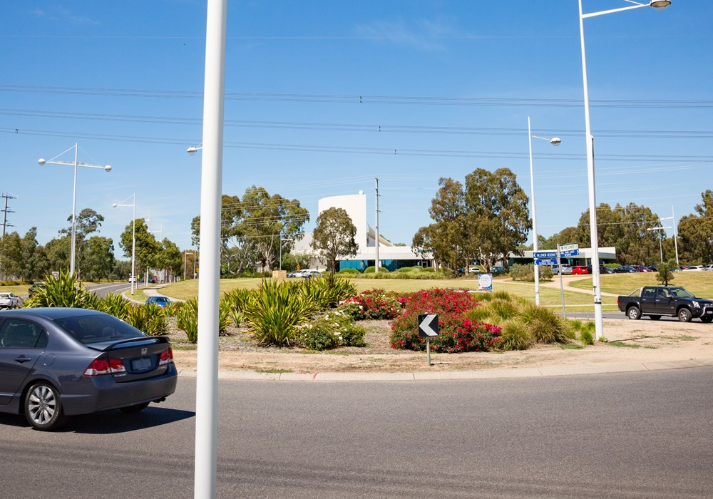 Findon Road, The Lakes Blvd and Ferres Blvd intersection upgrade